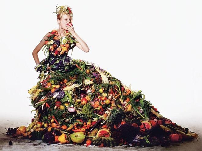 Платье, сделанное из еды