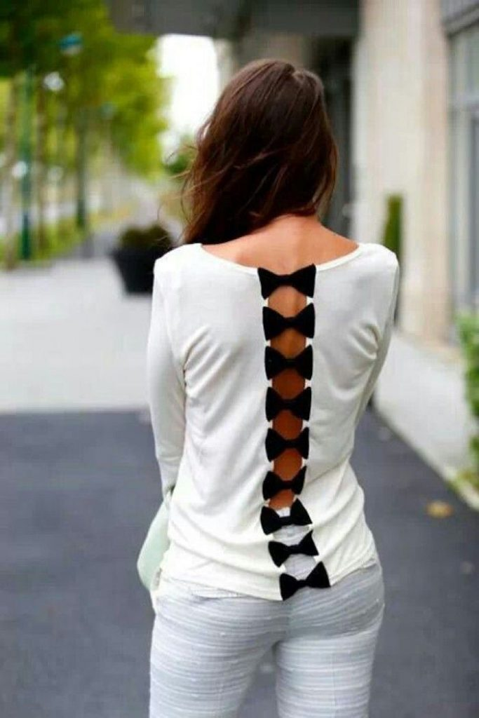 Оригинальное украшение старой блузки бантами