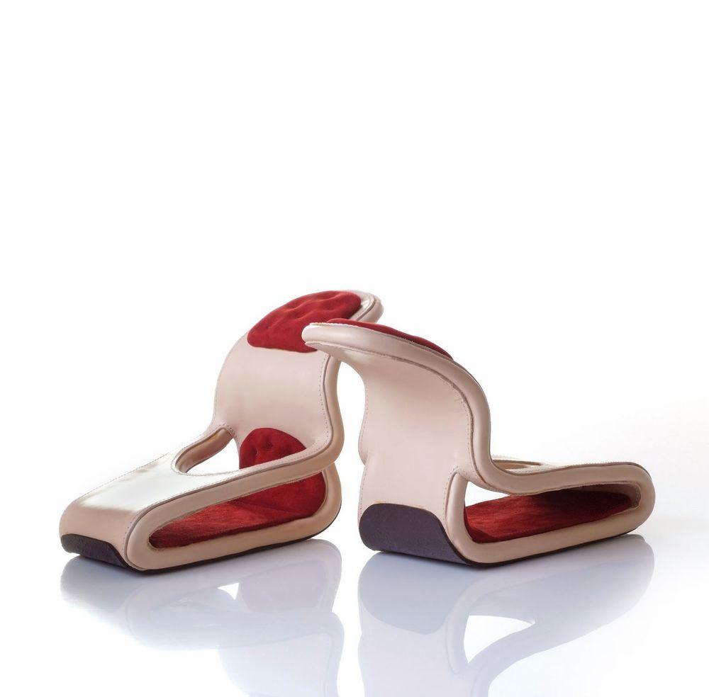 Туфли в форме кресла