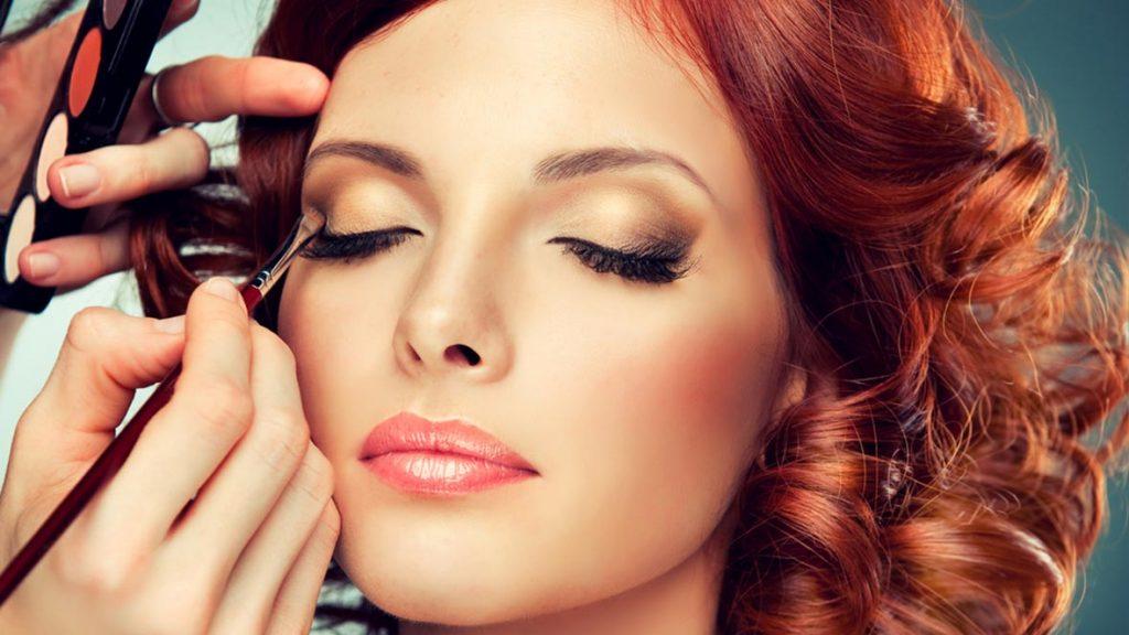 Профессиональное нанесение макияжа