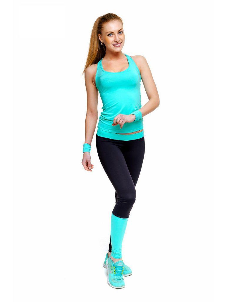 Двухцветный спортивный костюм