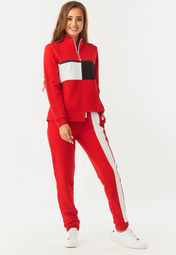 Красный спортивный костюм с ассиметричным кроем