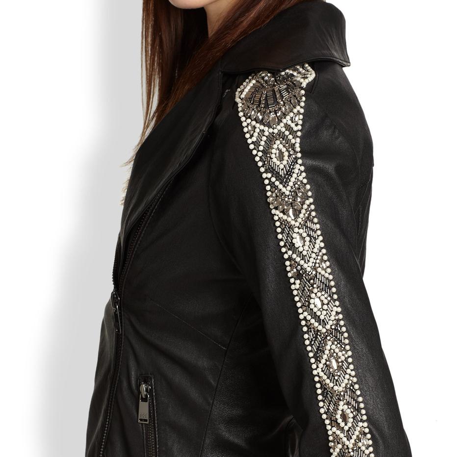 Куртка, украшенная стразами и бусинами