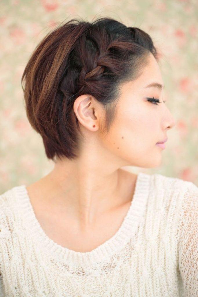Косичка на коротких волосах