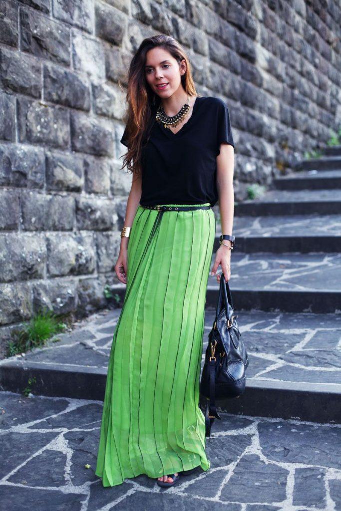 Длинная зелёная юбка макси