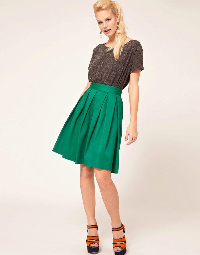 Зелёная юбка с завышенной талией