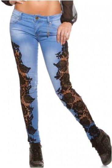 Чёрные гипюровые вставки на джинсах