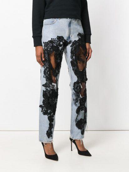Прямые джинсы с чёрным гипюром