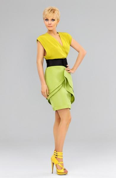 Валерия в жёлто-зелёном наряде