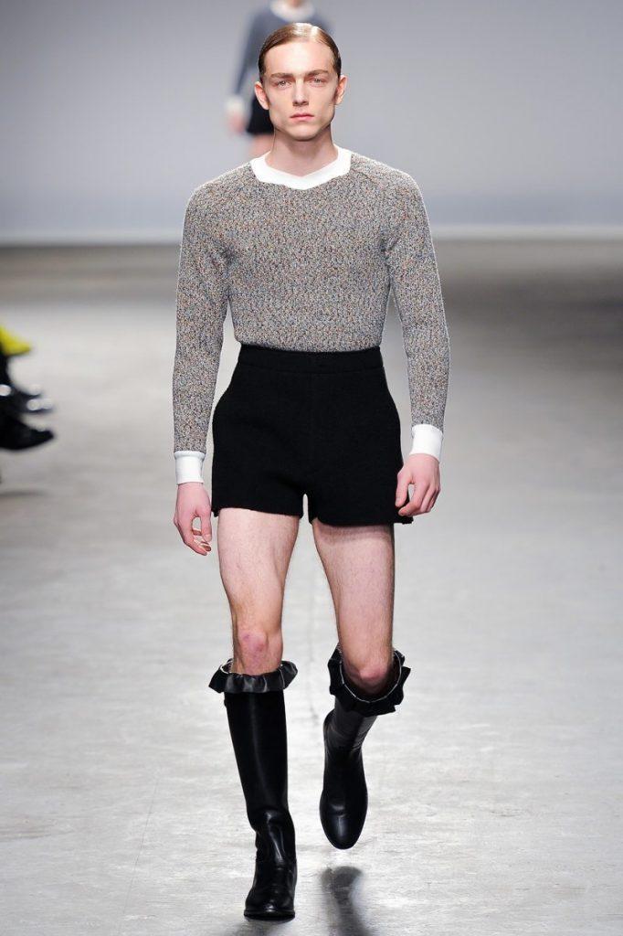 Простой дизайнерский наряд для мужчин