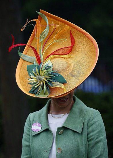 Шляпа необычной формы