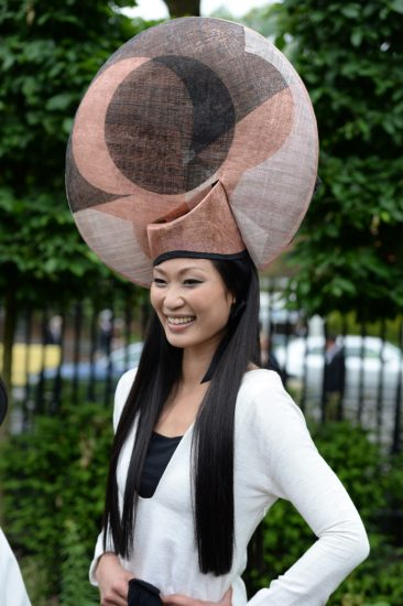 Объёмная женская шляпа