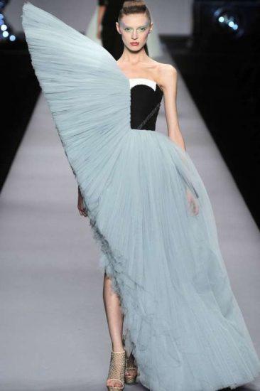 Странное платье