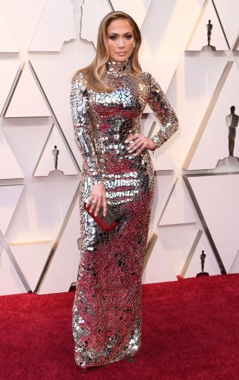 Дженнифер Лопез в блестящем платье на церемонии вручения премии «Оскар-2019»