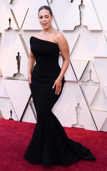 Эшли Грэм в чёрном платье на церемонии вручения премии «Оскар-2019»