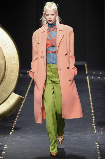 Образ Versace на миланской неделе моды 2019
