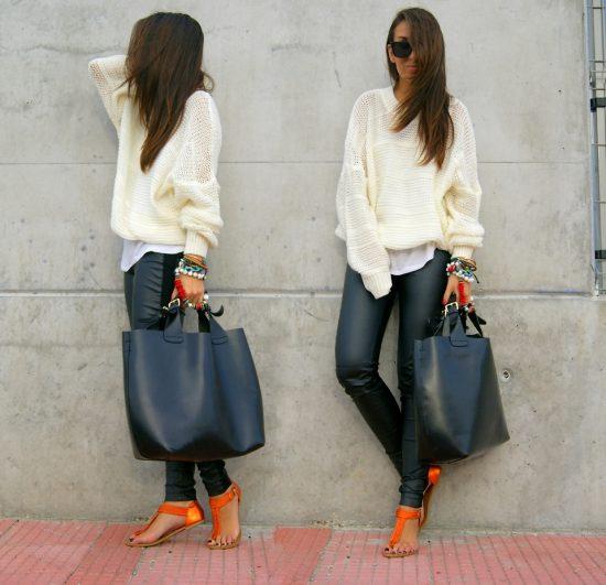 Чёрная сумка в сочетании с кожаными брюками