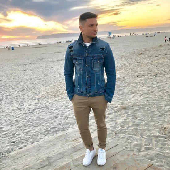 Сергей Лазарев в джинсовой куртке