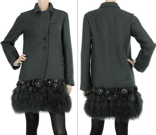пальто, отделанное искуственным мехом