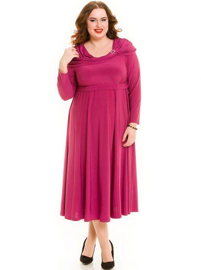 Яркое платье с завышенной талией