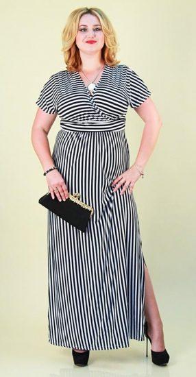 Платье в чёрно-белую полоску