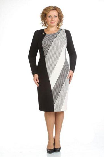 Чёрно-белое платье с мелкими полосками