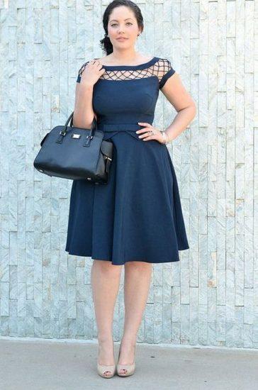 Девушка в стильном платье