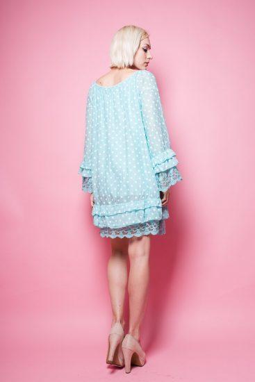 Голубое платье с воланами