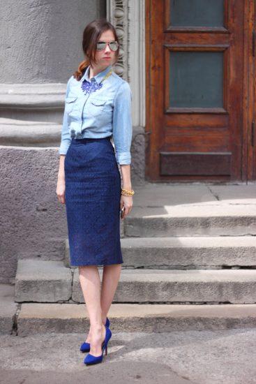 Джинсовая рубашка и юбка-карандаш