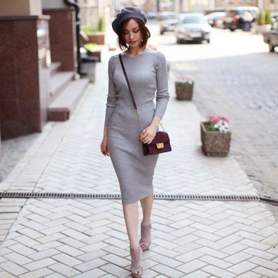 Женственное трикотажное платье