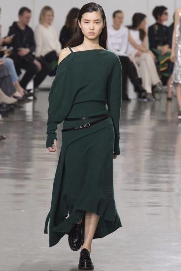 Асимметричное трикотажное платье