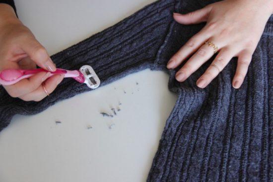 как убрать катышки с одежды бритвой