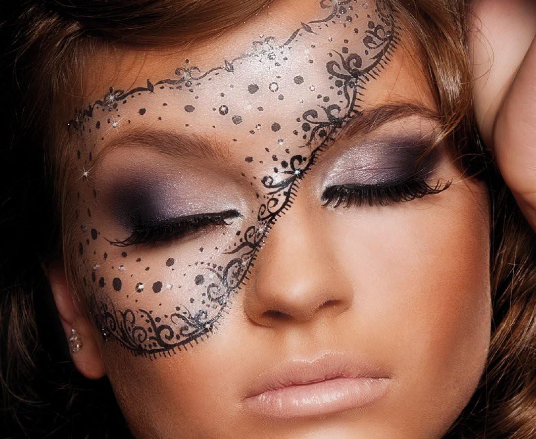встречала макияж с узорами фото свел