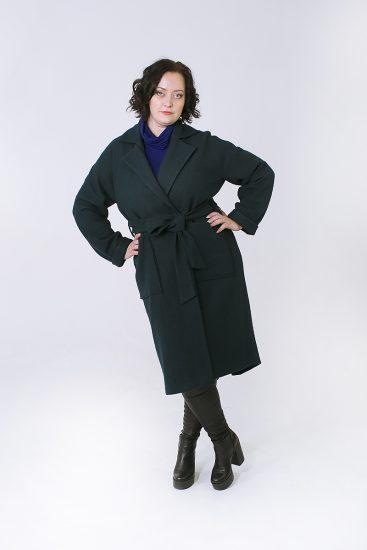 Тёмно-зелёное пальто