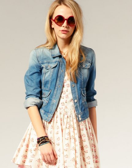 Обрас с джинсовой курткой и платьем