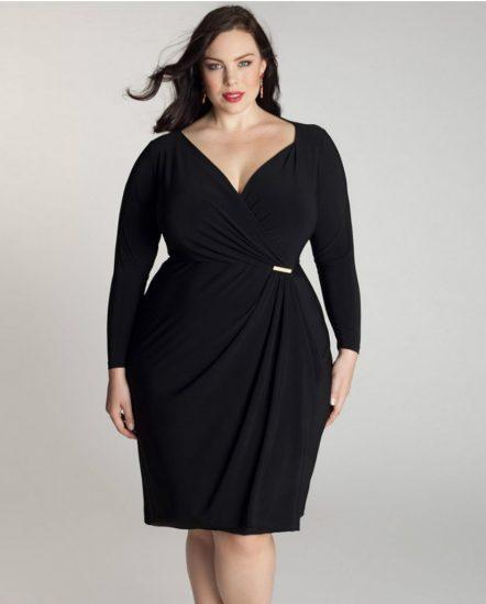 Полная девушка в чёрном платье