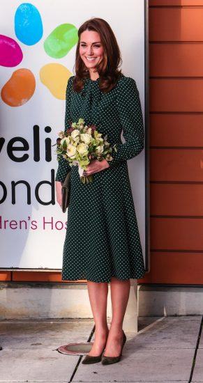 Кейт Миддлтон в платье в горошек