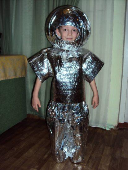 Детский костюм из фольги