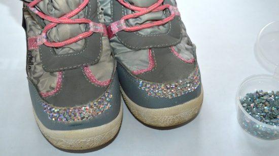 Стразы на детской обуви