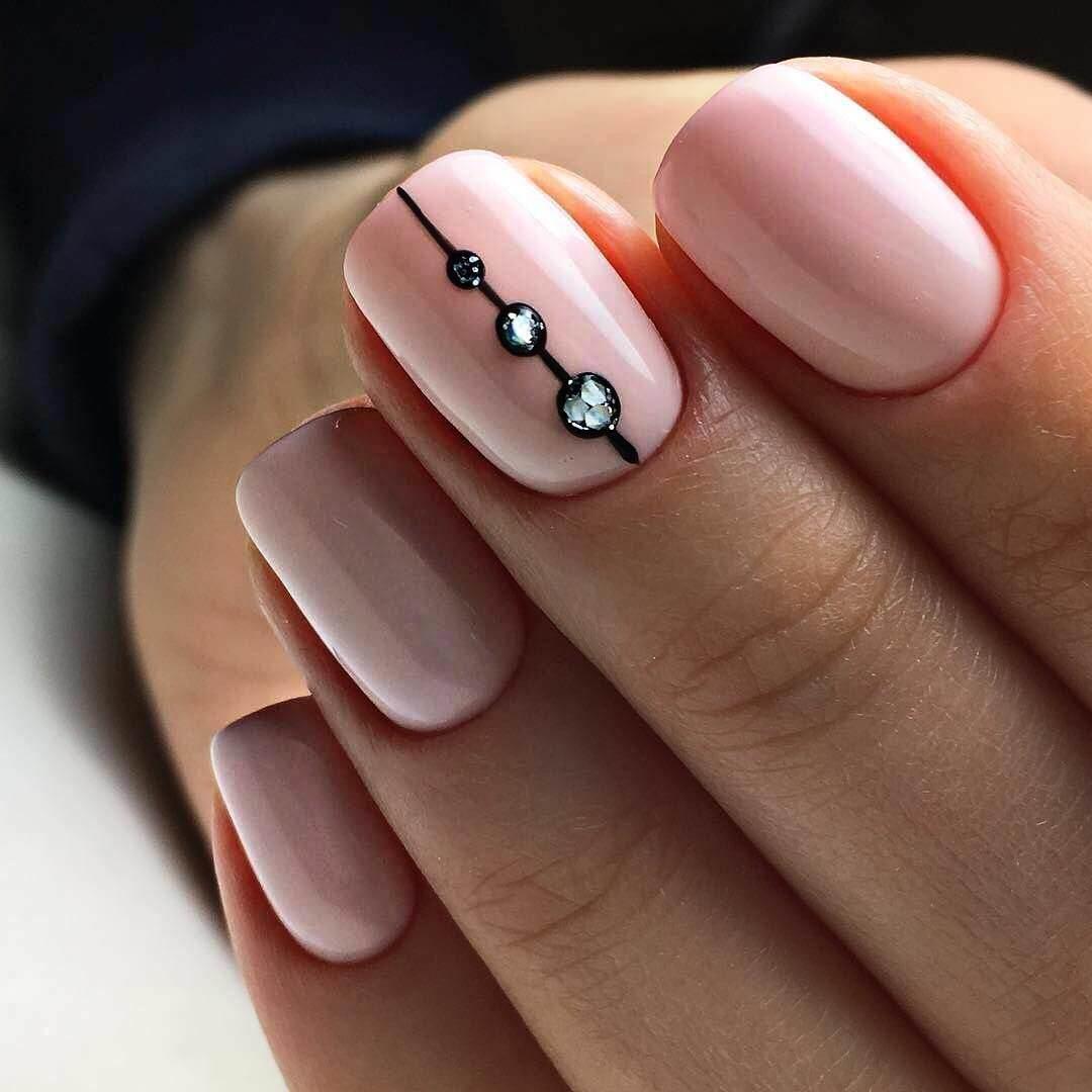 старых вспышках красивый дизайн на короткие ногти фото чтит память