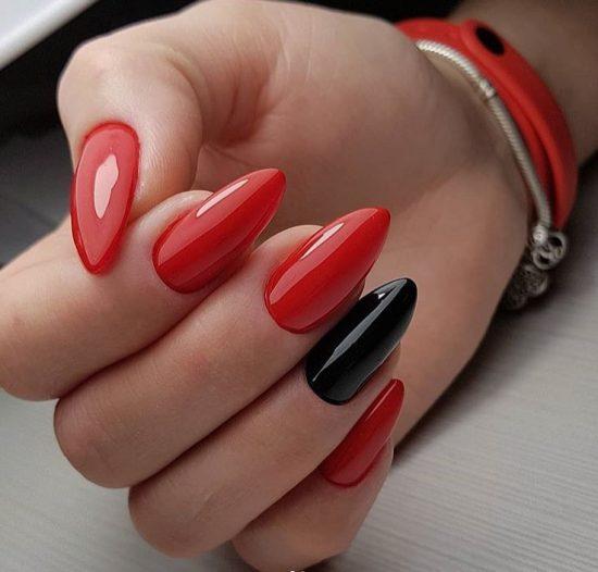 Чёрно-красный маникюр