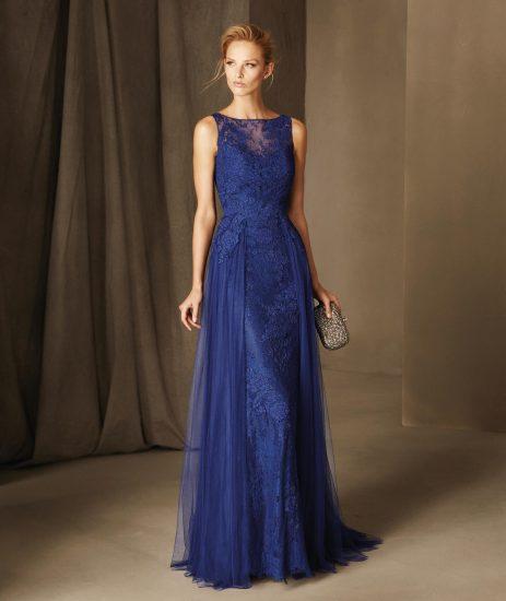 Синее платье в пол с кружевом