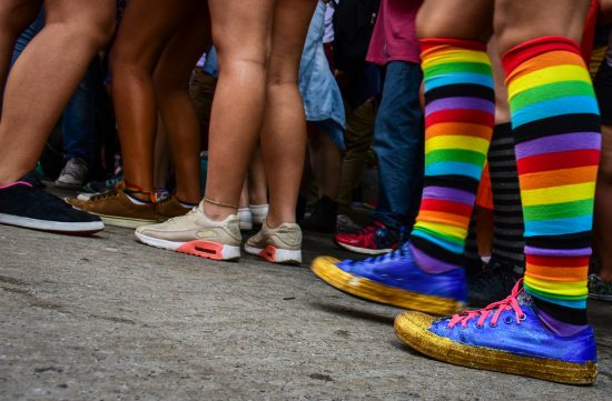 Яркие полосатые носки