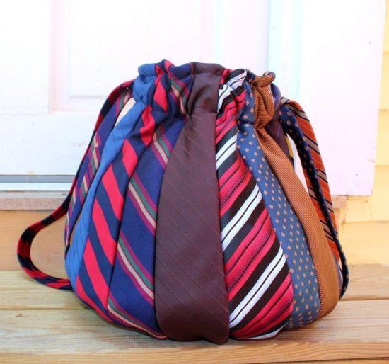 Сумка из галстуков