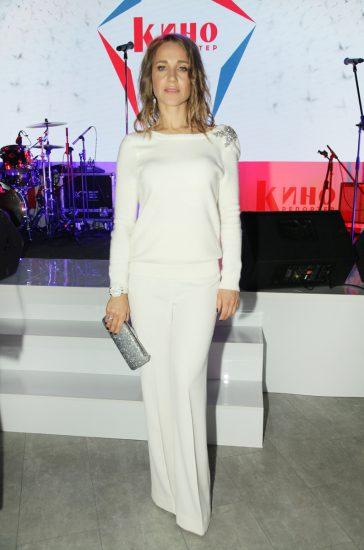 Юлия Ковальчук в белом