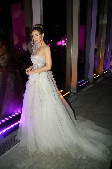 Ольга Бузова в белом длинном платье