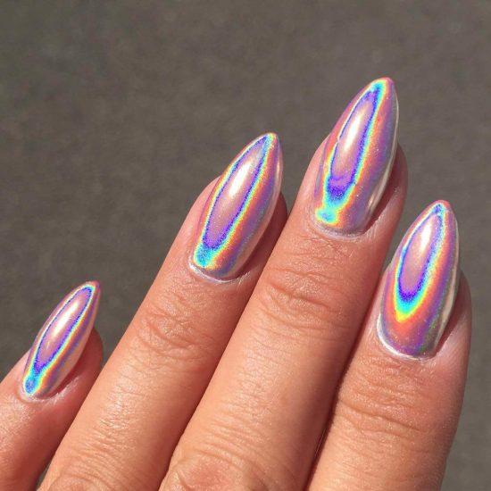 Дизайн ногтей с голографической втиркой