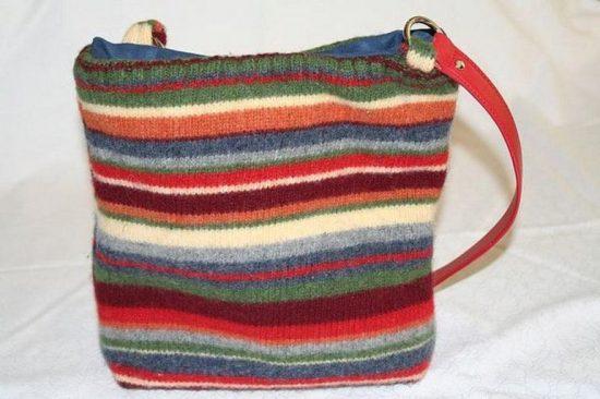 Вязаная сумка из свитера