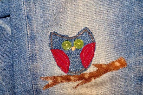 Заплатка на джинсах в виде совы