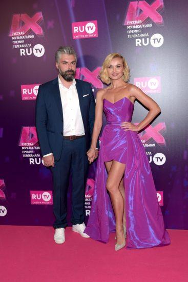 Дмитрий Исхаков и Полина Гагарина на церемонии RU.TV